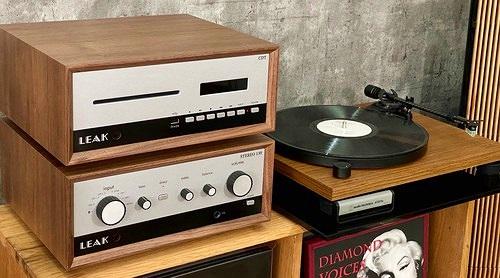 Cận cảnh LEAK Stereo 130 & CDT đầu tiên tại Việt Nam, chất vintage quá ấn tượng