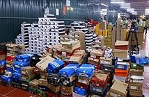 Đột kích kho hàng lậu 10.000 m2 chuyên livestream bán hàng nhái trên Facebook