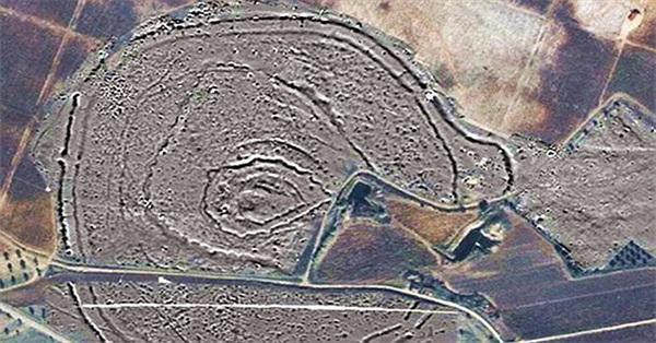 Phát hiện vòng tròn gỗ cổ xưa từ thời Đồ Đá mới