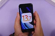 So sánh thời lượng pin iOS 13.7 với iOS 13.6.1