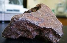Viên thiên thạch trị giá hơn 100.000 USD dùng để... chặn cửa