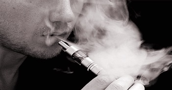 Thuốc lá điện tử: Phát minh giúp cai nghiện hay kẻ giết người mới?