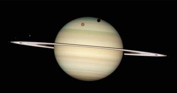 Sao Thổ soán ngôi sao Mộc về số vệ tinh xoay quanh