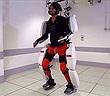 Trang phục robot giúp người bị liệt di chuyển