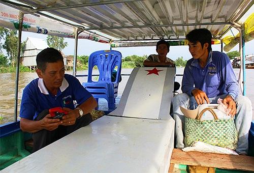 Thuyền năng lượng mặt trời cải tiến của nông dân Đồng Tháp