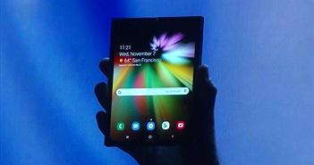 Samsung bất ngờ ra mắt điện thoại màn hình gập siêu nét