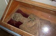 Thi thể chôn bình thường gần 300 năm còn nguyên vẹn như xác ướp
