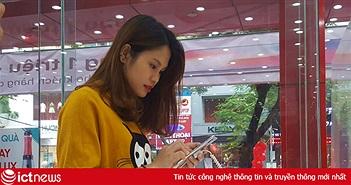 Mở hộp iPhone X mã VN/A vừa lên kệ tại Việt Nam sáng nay