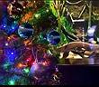Lạ lùng lươn điện biết đăng status, tự thắp sáng cây thông Noel