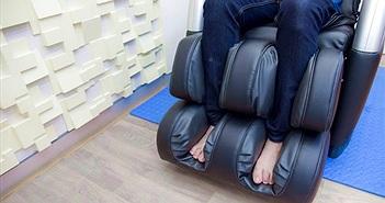 Ngồi ghế massage thư giãn, người đàn ông phát hiện chuyện kinh dị