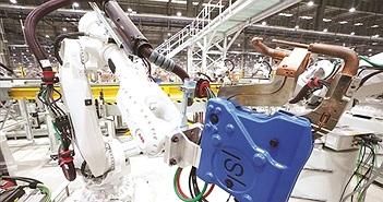 """Robot """"đổ bộ"""" vào nhà máy Việt Nam"""