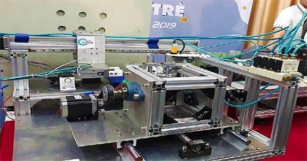 Lần đầu tiên Việt Nam có máy se tơ từ cây sen