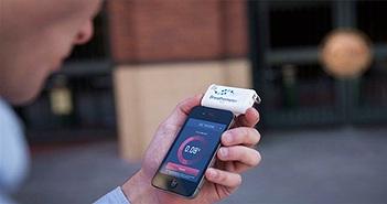 Thiết bị đo nồng độ cồn trên điện thoại thông minh