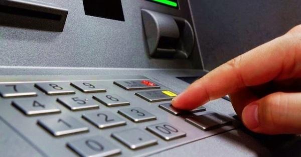 5 điều phải nằm lòng khi rút tiền bằng thẻ ATM để vui Xuân