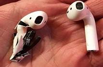 Apple điều tra một vụ tai nghe AirPod bốc khói và phát nổ