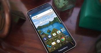 Smartphone 2 sim đầu tiên của BlackBerry trình làng