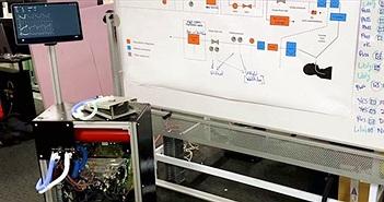 """Tesla tung video sản xuất máy thở """"xịn"""" (có xâm lấn) từ chính phụ tùng chiếc xe điện Model 3"""