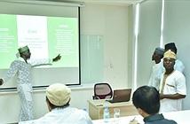 Sinh viên Nigieria tại Đại học FPT học hỏi làm thương mại điện tử từ chotot.com