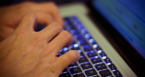 3 học sinh bị đình chỉ vì đánh giá giáo viên qua mạng
