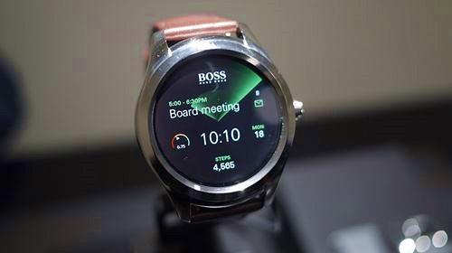 Hugo Boss ngừng sản xuất đồng hồ thông minh đầu tiên của mình