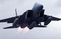ẢNH+VIDEO: Tiêm kích F-15 lao xuống ruộng khoai, cháy ngùn ngụt