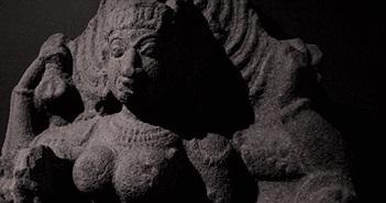 Bức tượng Nữ thần Kali cổ đại được khai quật từ lòng sông