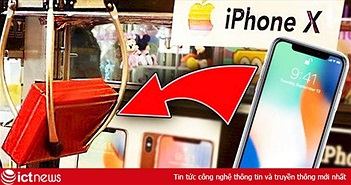 """Chơi máy gắp thú kiếm cả chục chiếc iPhone X/XS """"chùa"""", thanh niên số hưởng nhất năm là đây!"""