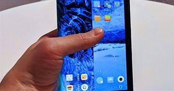 """Smartphone màn hình bẻ cong đầu tiên thế giới được đánh giá là """"kiệt tác nhiều khiếm khuyết"""""""