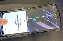 Moto RAZR toang màn hình khi vừa lên kệ