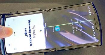 Moto RAZR 'toang' màn hình khi vừa lên kệ