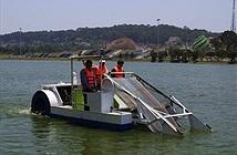 Thử nghiệm thiết bị hút tảo lam trên hồ Xuân Hương Đà Lạt