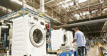 """""""Mục sở thị"""" nhà máy sản xuất máy giặt lớn nhất châu Âu"""