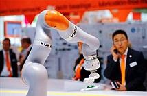 Hàn Quốc giới thiệu thuế robot đầu tiên trên thế giới