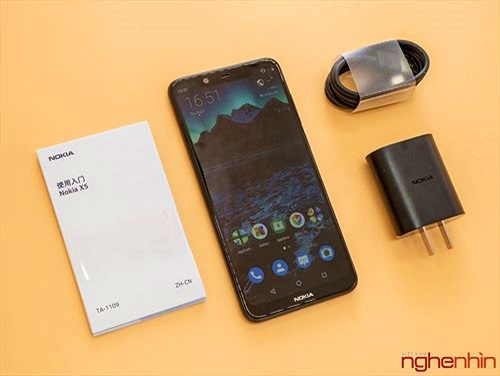 Mở hộp Nokia X5: thiết kế cao cấp, màn hình tai thỏ và camera kép giá từ 3,7 triệu