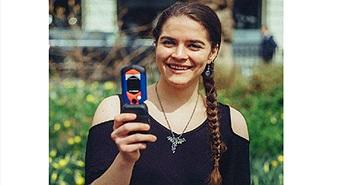 Người phụ nữ nhận thưởng 2,3 tỷ nhờ nhịn dùng smartphone 8 tháng