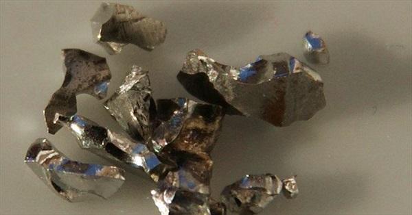Kim loại đến từ ngoài Trái Đất có thể giúp con người điều trị ung thư