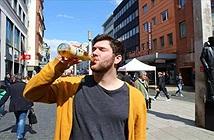 Chuyện lạ độc: Buộc phải uống 20 lít nước/ngày nếu không sẽ chết