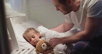 Đêm rét, cha dành chăn đắp cho con gái và kết cục buồn