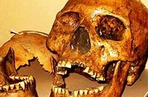 Sự thật về người khổng lồ tóc đỏ bí ẩn ở hang Lovelock