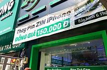 Dịch vụ thay pin iPhone 150.000 đồng ăn theo scandal của Apple ở VN