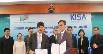 Việt Nam - Hàn Quốc ký kết hợp tác về quản lý Internet