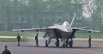J-20 Trung Quốc chính thức được trực chiến
