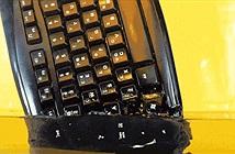 Ngâm bàn phím Logitech vào dung dịch tẩy rửa axeton và cái kết bất ngờ