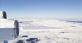 Quái đản tảng băng trôi như bị người ngoài hành tinh can thiệp