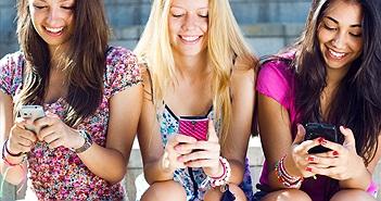 iPhone và Apple Watch ngày càng phổ biến với tuổi teen