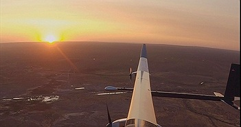 Máy bay năng lượng mặt trời có thể bay cả năm không nghỉ