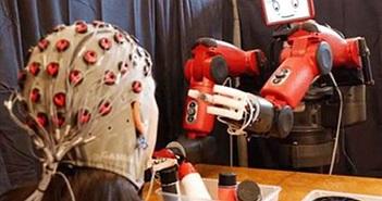 Robot biết thần giao cách cảm: Con người lo sốt vó