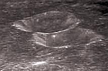 Lại phát hiện căn cứ khổng lồ trên Mặt trăng?