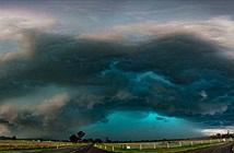Kinh khiếp bão bắp rang, những cơn bão màu xanh đẹp ma mị