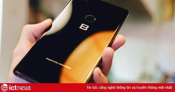 Lý do Bphone 3 không xuất hiện trên hệ thống Thế Giới Di Động như trước đây: Nhân viên bán hàng toàn hướng người dùng đến sản phẩm của Apple, Samsung hay Xiaomi